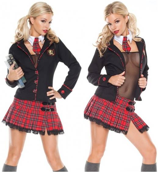 SEDUCTIVE SCHOOL GIRL